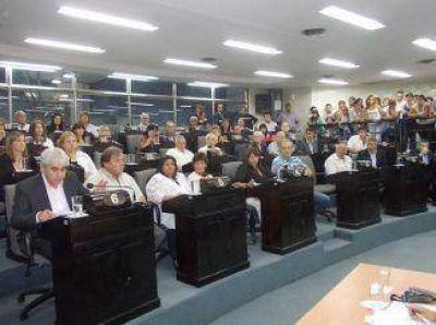 Oficialismo con anibalistas y massistas facilitaron la Ordenanza Fiscal 2015