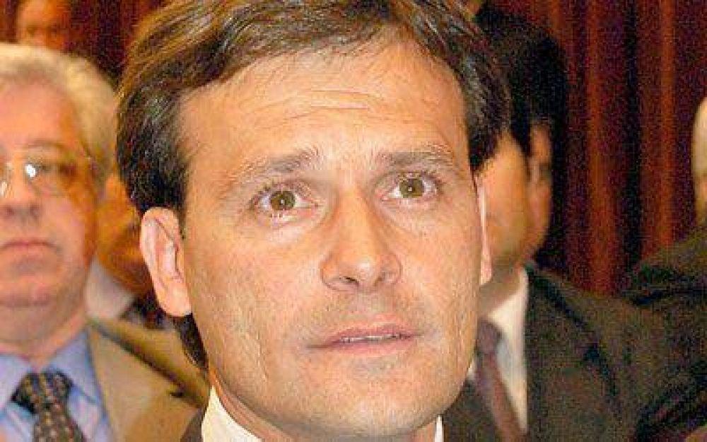 Apoyo de intendentes para Das Neves y críticas para Eliceche