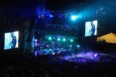 Unas 100 mil personas disfrutaron del recital del Indio en Mendoza