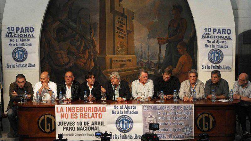 Interna sindical: Micheli dijo que Moyano se equivoca al
