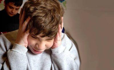 Alumnos inventaron dispositivo que beneficia a niños autistas