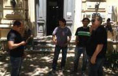 Toma de la Municipalidad: Expectativa entre los sindicalistas por el comienzo de semana