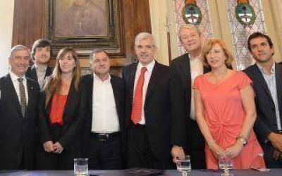 Julián Domínguez con Carossi: quiere que el próximo Presidente haya sido Intendente