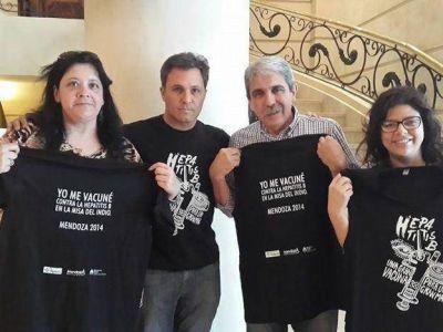 En la previa del Indio Solari en Mendoza, 2.361 fans se vacunaron contra hepatitis B