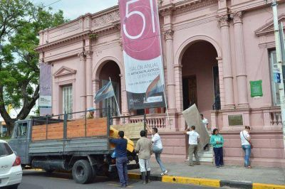 Comenzó el traslado de las obras entrerrianas que serán exhibidas en la Cumbre