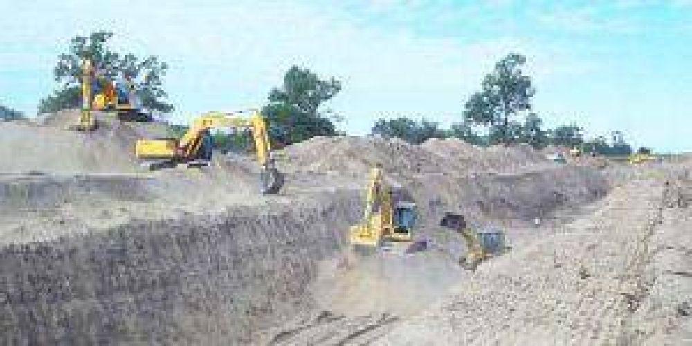 Río Bermejo: máquinas trabajan para mejorar el aprovechamiento de aguas