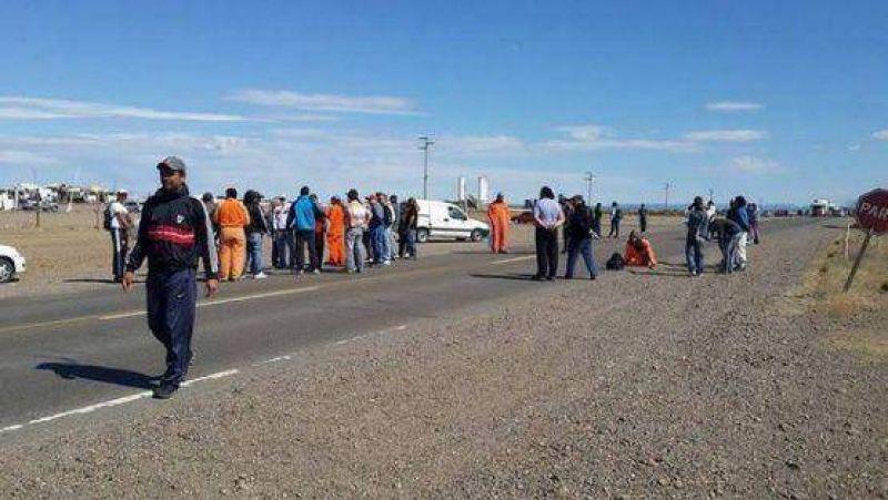 Trabajadores de Austral Construcciones cortaron la nacional N� 3