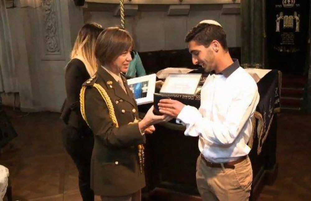 Por primera vez la Presidenta es madrina de un niño judío