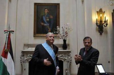 Condecoran al embajador de Palestina en Argentina