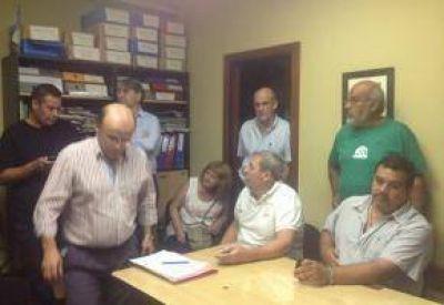 Giovanettoni reunió a los gremios tras su regreso de La Plata
