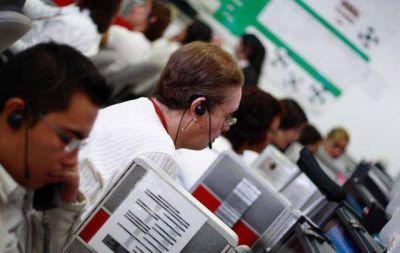 Mantienen tomado call center en Córdoba por reclamo salarial