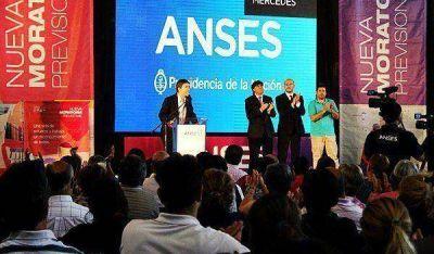 """Bossio y Ustarroz con jubilados mercedinos: """"Esta es la Argentina que repara heridas"""""""