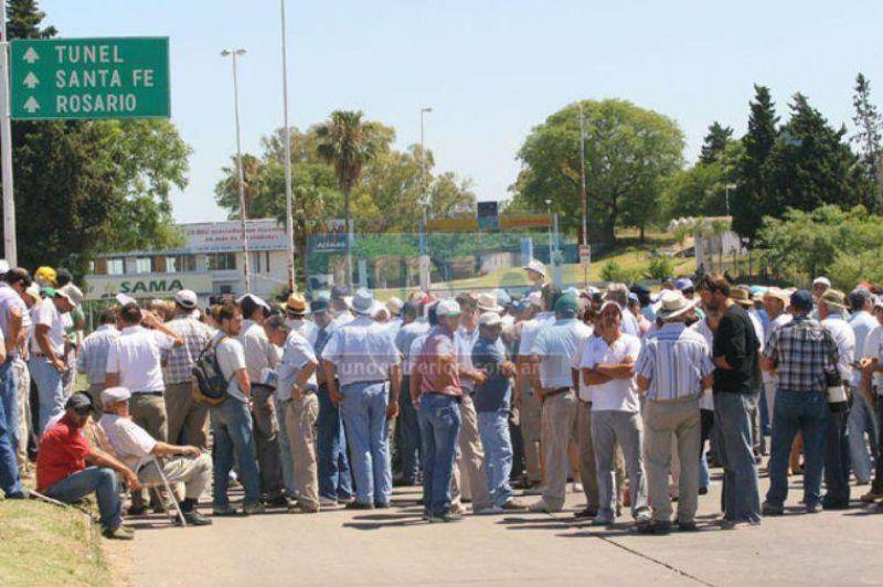 Productores agropecuarios de Entre Ríos se concentrarán este miércoles en el Túnel