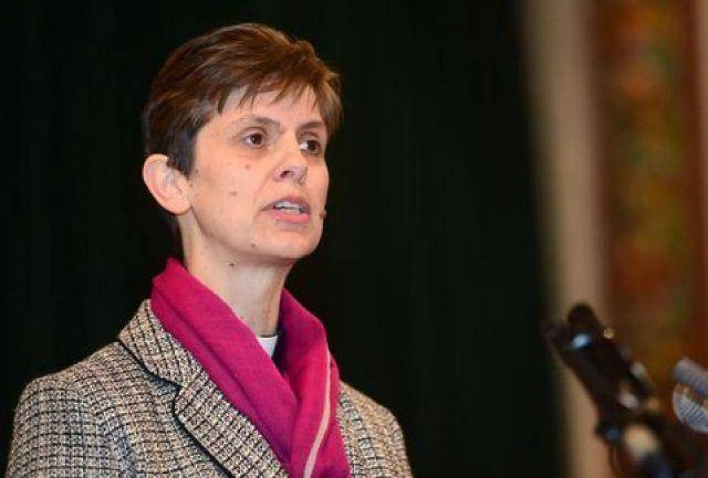 La Iglesia de Inglaterra nombra obispo a una mujer por primera vez en la historia
