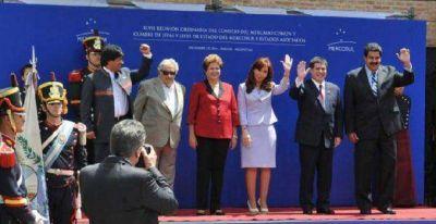 Cristina recibi� a los mandatarios de la regi�n y dio inicio a la Cumbre