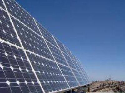 Con modificaciones en sus planos, la fábrica de paneles solares comenzaría a levantarse en enero