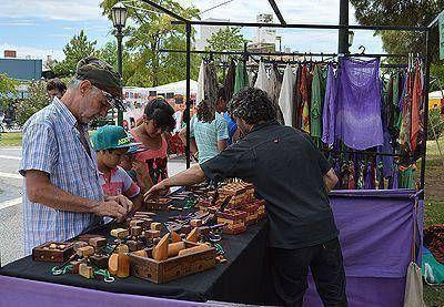 Presentaron la Feria Artesanal Navideña