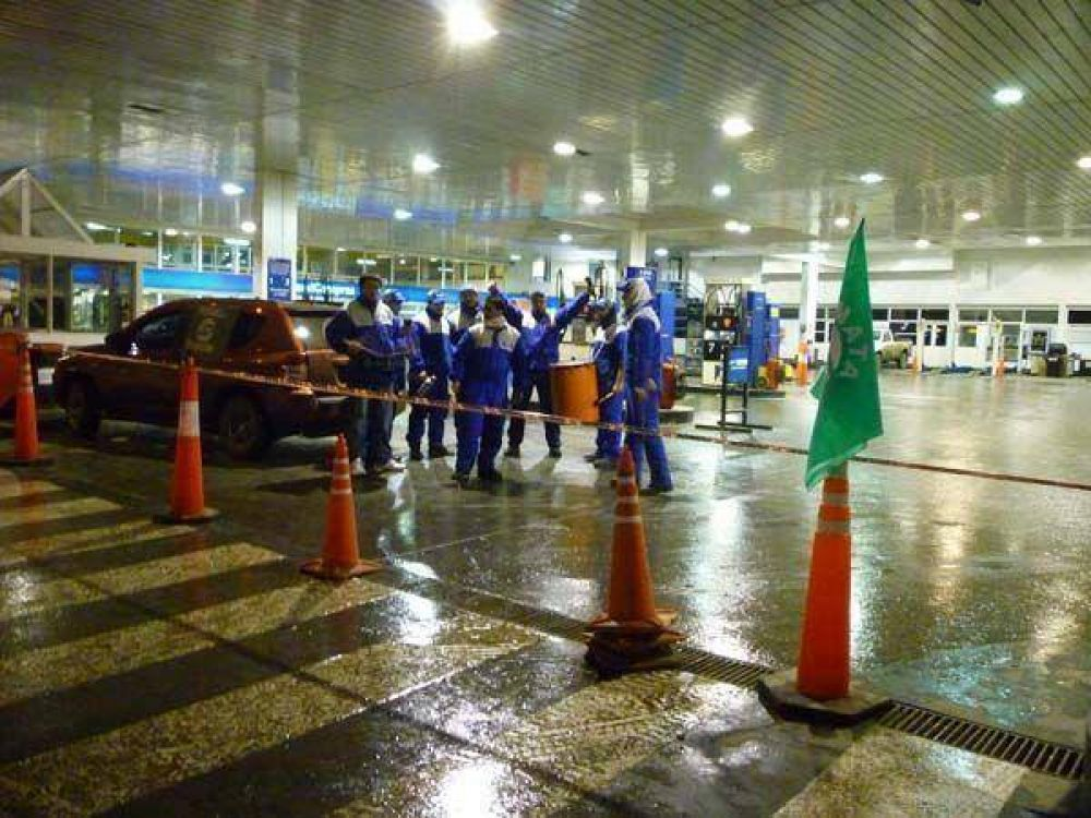 Las tres estaciones de Autosur están cerradas por medida de fuerza