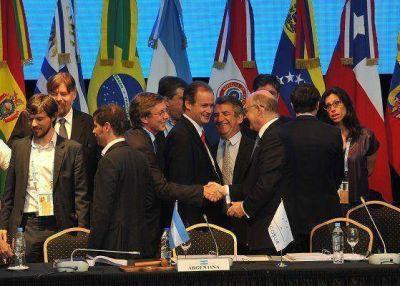 Bahillo particip� de la cumbre del Mercosur