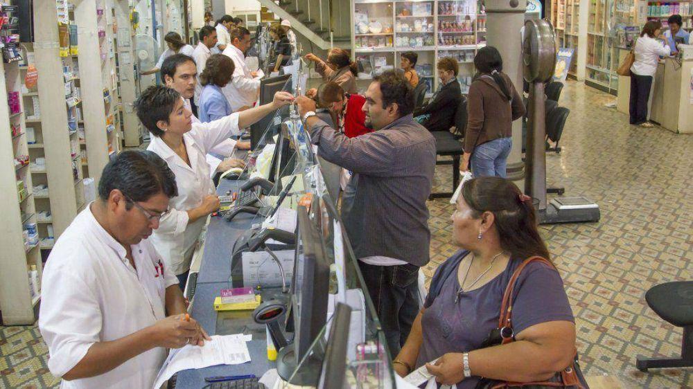 Empleados de farmacias amenazan con un paro