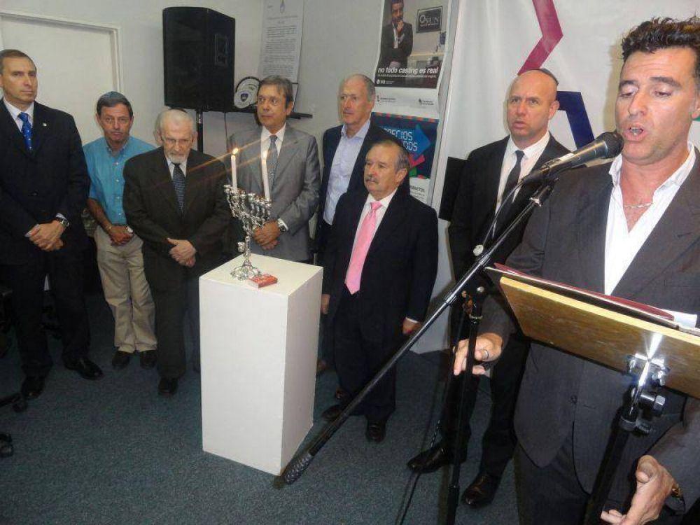 Jánuca con diplomáticos en la DAIA