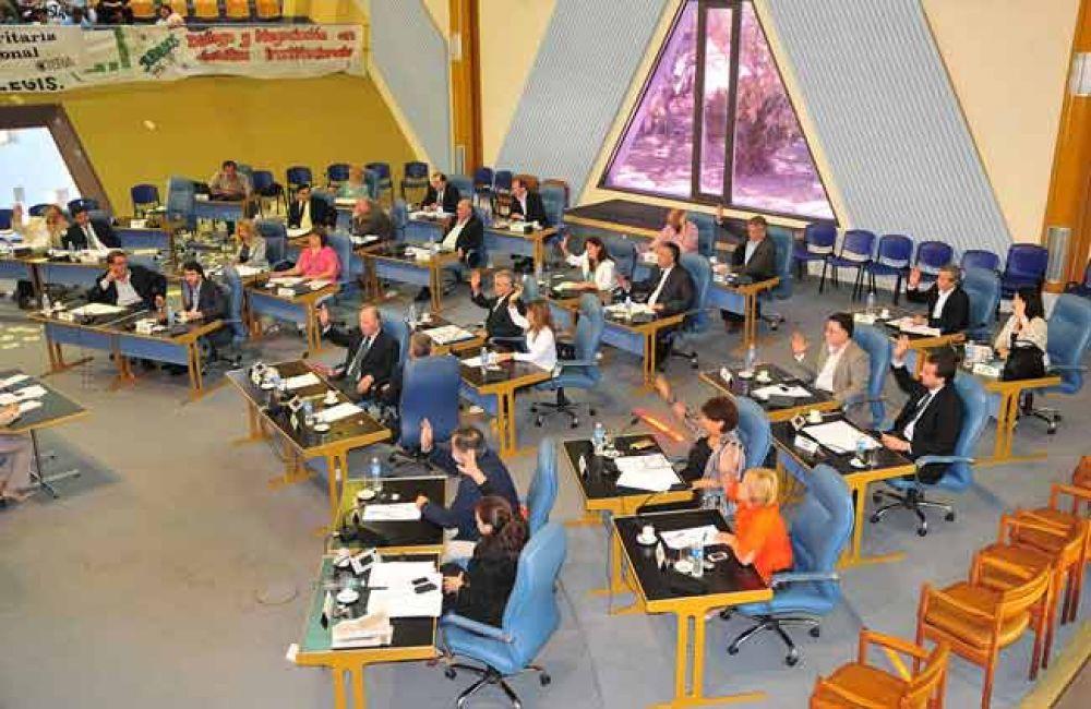 Con críticas y modificaciones, el vernismo aprobó el Presupuesto Provincial 2015