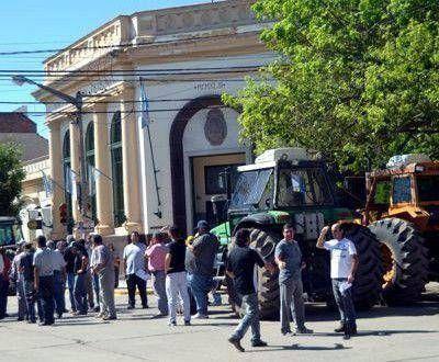 Productores protestaron frente al Banco Nación