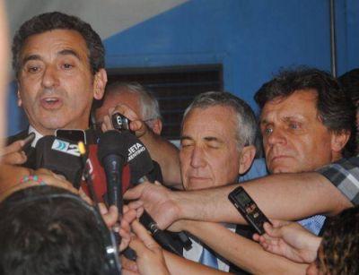 Pusieron en marcha el emisario submarino y el nuevo servicio de tren Constituci�n � Mar del Plata