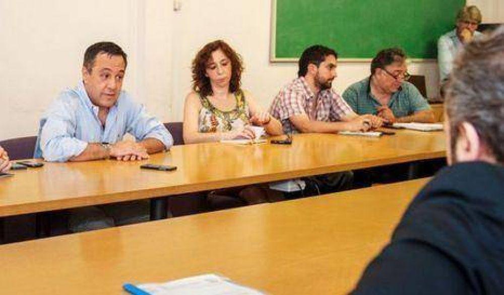 Ciudad ofreció a docentes un pago a cuenta del 10% sólo para enero
