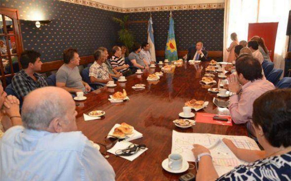 Comerciantes de Derqui se reunieron con el intendente y pidieron mejoras