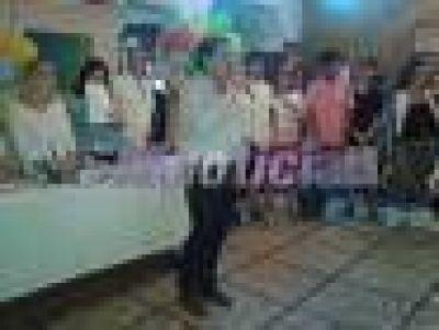 Campbell encabezó el acto de cierre de los talleres culturales que brinda el PRO de San Fernando