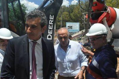 Randazzo supervisó el inicio de las obras de los viaductos: llegó a San Nicolás acompañado por Eduardo Di Rocco y Andrés Quinteros