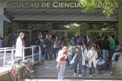 Práctica final: Medicina arranca febrero con nuevas exigencias