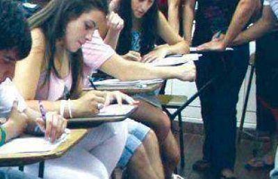 Darán hasta 350 becas por el derecho de examen a Medicina en la UNSa