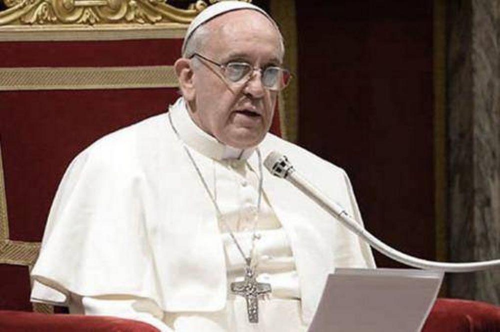 El Papa invitó a los católicos a vivir una navidad