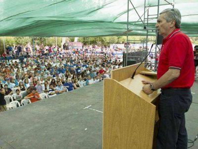 Pereyra, del CEC, reunió a más de 3.000 personas en un acto del massismo