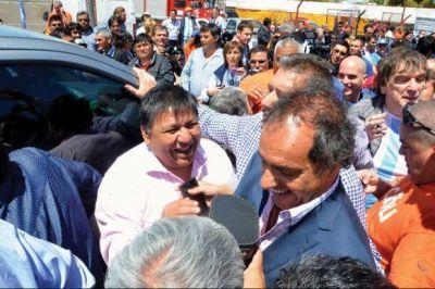 Petroleros esperan que Scioli visite el sindicato en febrero