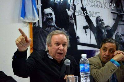 Peralta reinauguró sede gregorense del PJ y dijo que es momento de un cambio en esa localidad