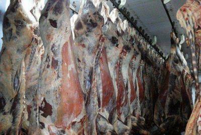 Mientras la hacienda baja el precio de la carne se mantuvo
