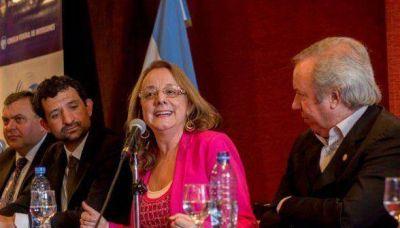 """Alicia Kirchner: """"Estamos construyendo para la Santa Cruz de hoy y la de mañana"""""""