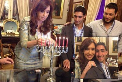 """Primer ahijado presidencial judío, tras el encendido de velas de Jánuca con la presidenta: """"Es algo emocionante y estoy muy contento"""""""