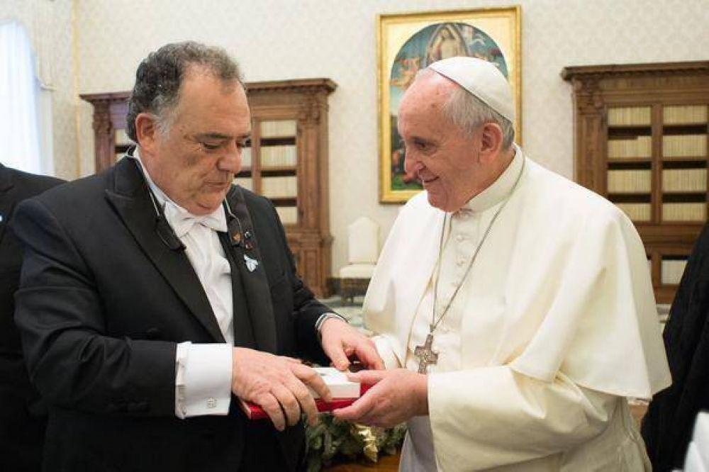 Argentina y la «conversión» de Bergoglio: de muro a puente