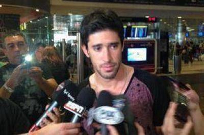 Pablo Pérez llegó al país para sumarse a Boca: