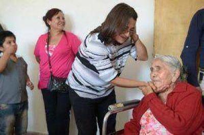 Corpacci entregó viviendas amobladas en Siján