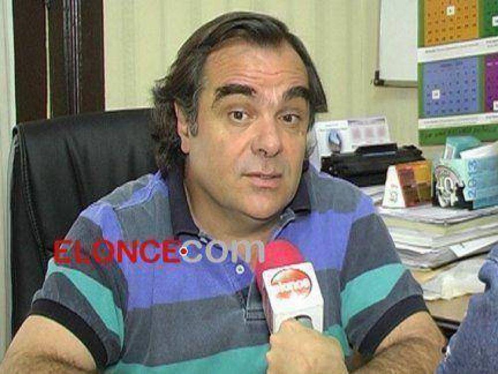 """Peccín: """"Exigimos al gobierno de la provincia la pronta convocatoria"""""""