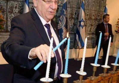 Rivlin se reunió con el jefe del ejército israelí une para encender las velas de Jánuca con soldados de la Brigada Regional de Judea