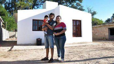 Entregaron vivienda social en Tabla Redonda