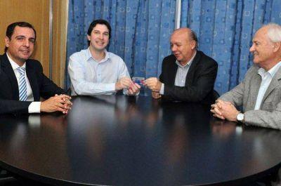 El Nuevo Banco del Chaco entrega Tarjeta Tuya a trabajadores de ECOM