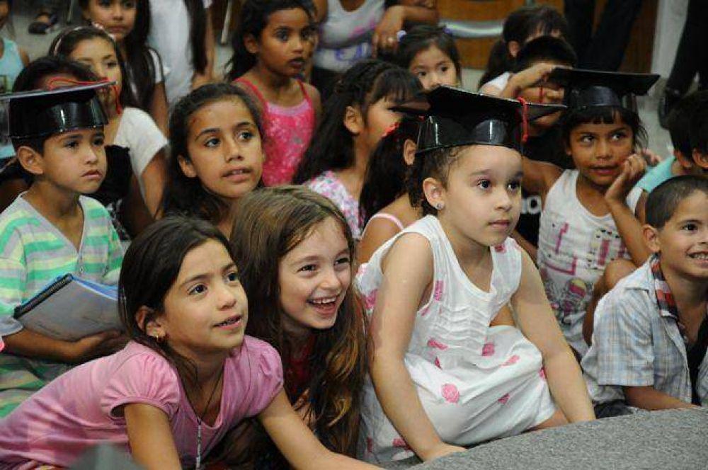 """AMIA: Nuevos egresados del programa """"Aprendiendo en Casa"""""""