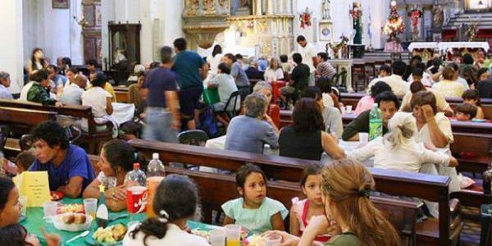 Sirven almuerzos solidarios de Navidad en parroquias porteñas y bonaerenses